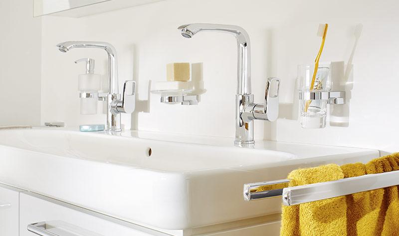 serie 5001 waschtisch und k chenarmaturen. Black Bedroom Furniture Sets. Home Design Ideas